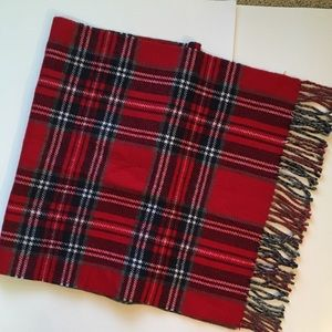 Banana Republic Plaid Wrap Scarf Red Gray